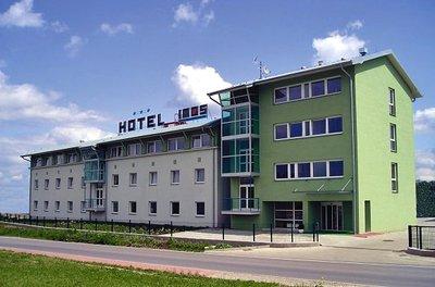 Отель Imos 3* Бржецлав Чехия