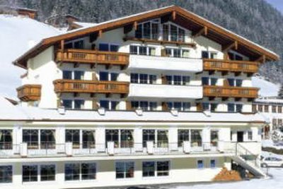 Отель Activehotel Bergkonig 4* Нойштифт Австрия