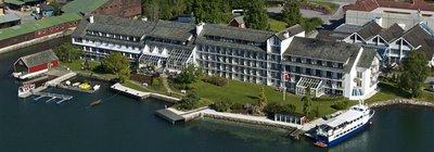 Отель Brakanes Hotel 3* Берген Норвегия