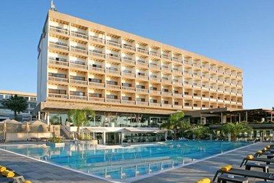 Отель Crowne Plaza Limassol 4* Лимассол Кипр