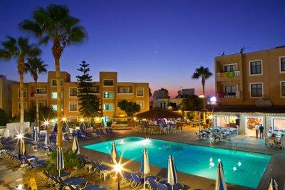 Отель Kefalos Damon Hotel Apartments 3* Пафос Кипр