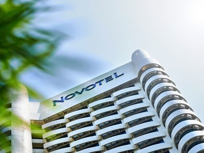 Отель Novotel Kuala Lumpur City Center 4* Куала-Лумпур Малайзия