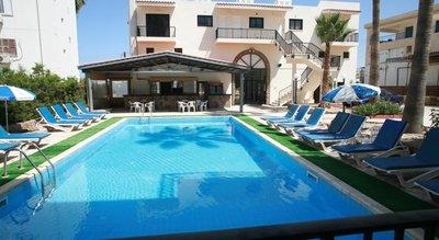 Отель New York Plaza Hotel Apartments 2* Пафос Кипр