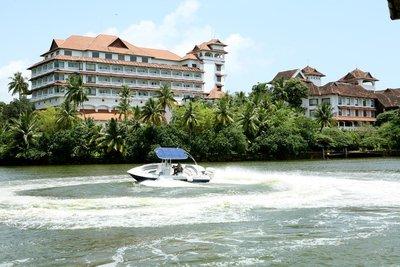 Отель The Raviz Resort & Spa Ashtamudi 5* Керала Индия