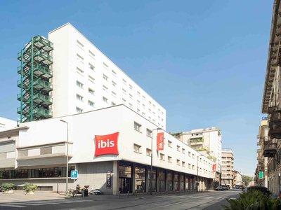 Отель Ibis Milano Centro 3* Милан Италия