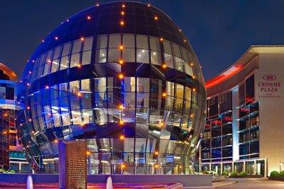 Отель Crowne Plaza Doha 5* Доха Катар