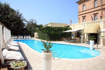 Отель Villa Adriatica Ambienthotels 4* Римини Италия
