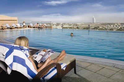 Отель Two Seasons Hotel & Apartments Dubai 4* Дубай ОАЭ