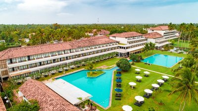 Отель The Blue Water Hotel & Spa 5* Ваддува Шри-Ланка