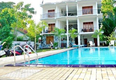Отель Ocean Bay Surf Resort 4* Велигама Шри-Ланка