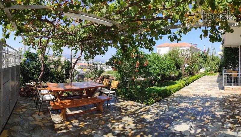 Фото отеля Paja Villa 3* Ксамил Албания