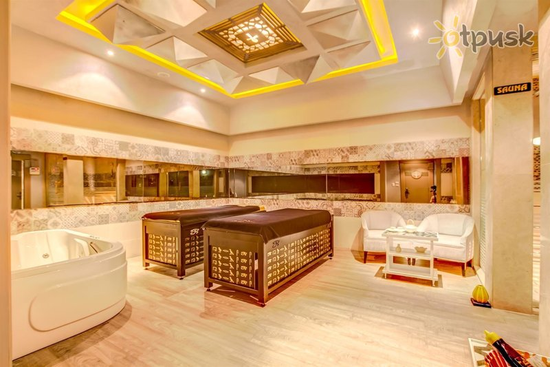 Фото отеля AMC Royal Hotel & Spa 5* Хургада Египет
