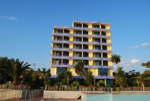 Горящий тур в Bahamas Hotel 4☆ Албания, Саранда