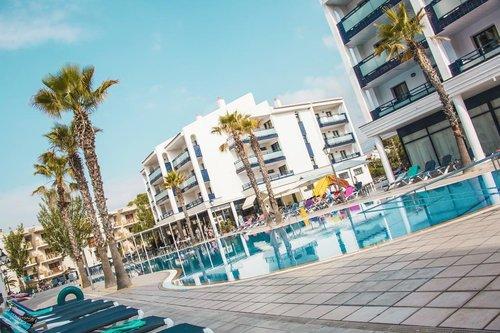 Тур в Pins Platja Apartamentos 1☆ Испания, Коста Дорада