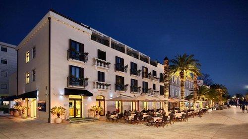 Гарячий тур в Pine Hotel 4☆ Чорногорія, Тіват